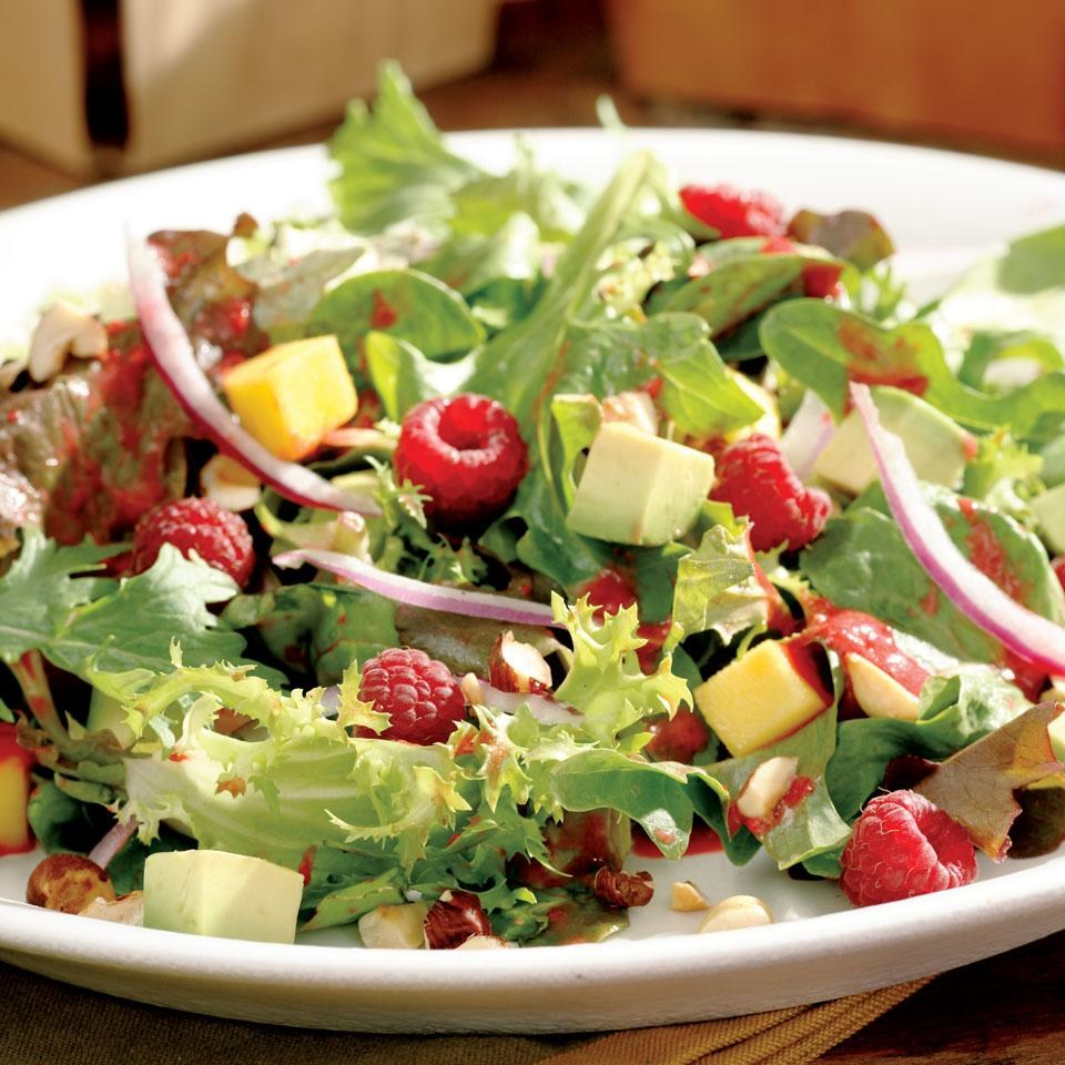 Salata cu avocado si mango