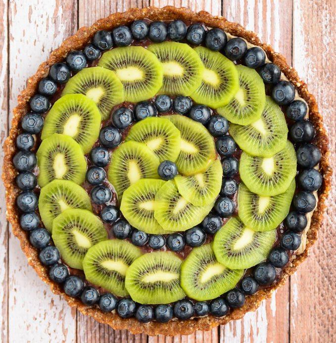 Prajitura raw cu kiwi si afine