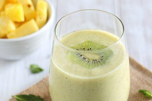 smoothie de ananas, kiwi si menta